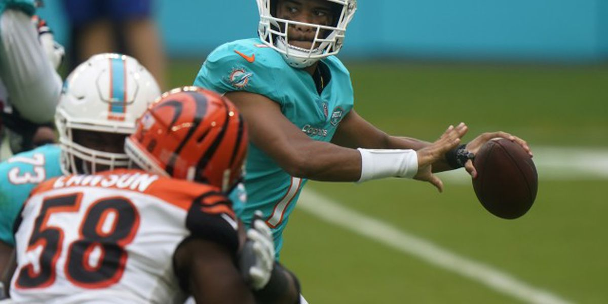 Tagovailoa returns as Dolphins beat Bengals
