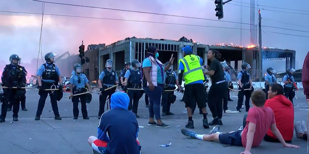 GRAPHIC: Violent protests rock Minneapolis for 2nd straight night