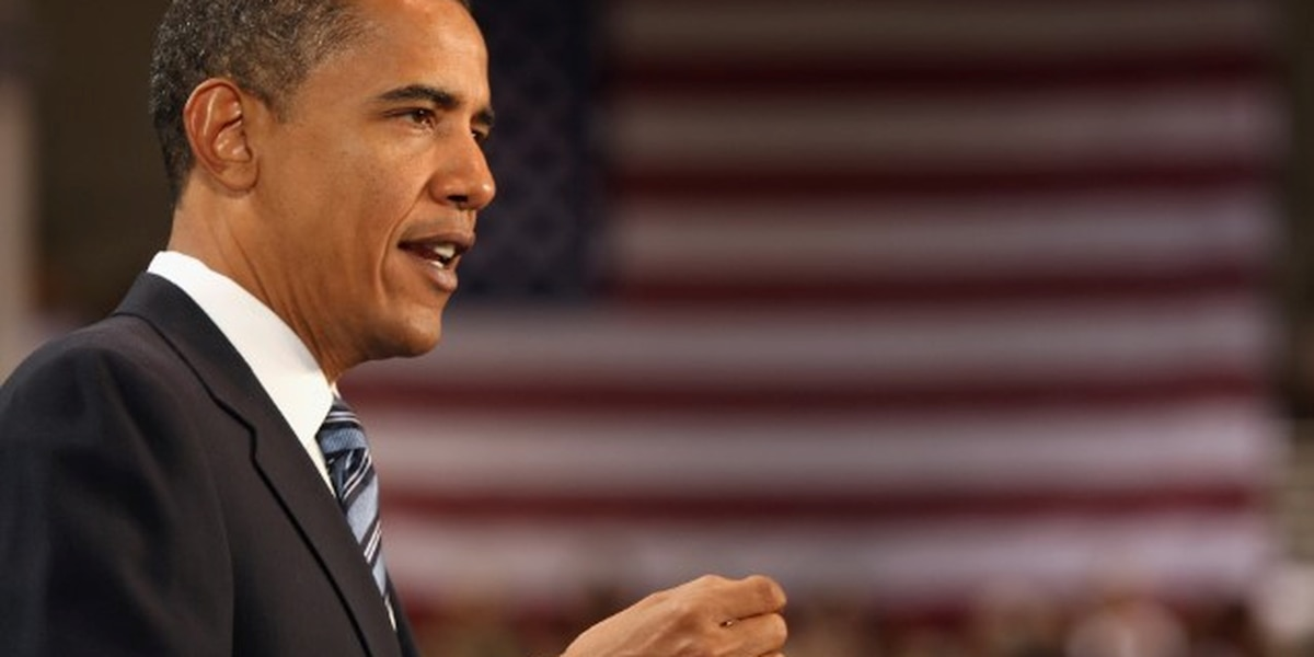 Obama congratulates woman he once freed from prison for making the dean's list