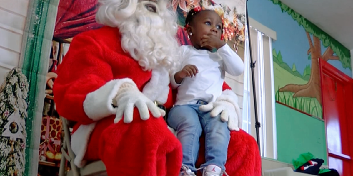 Santa makes early arrival in Riviera Beach