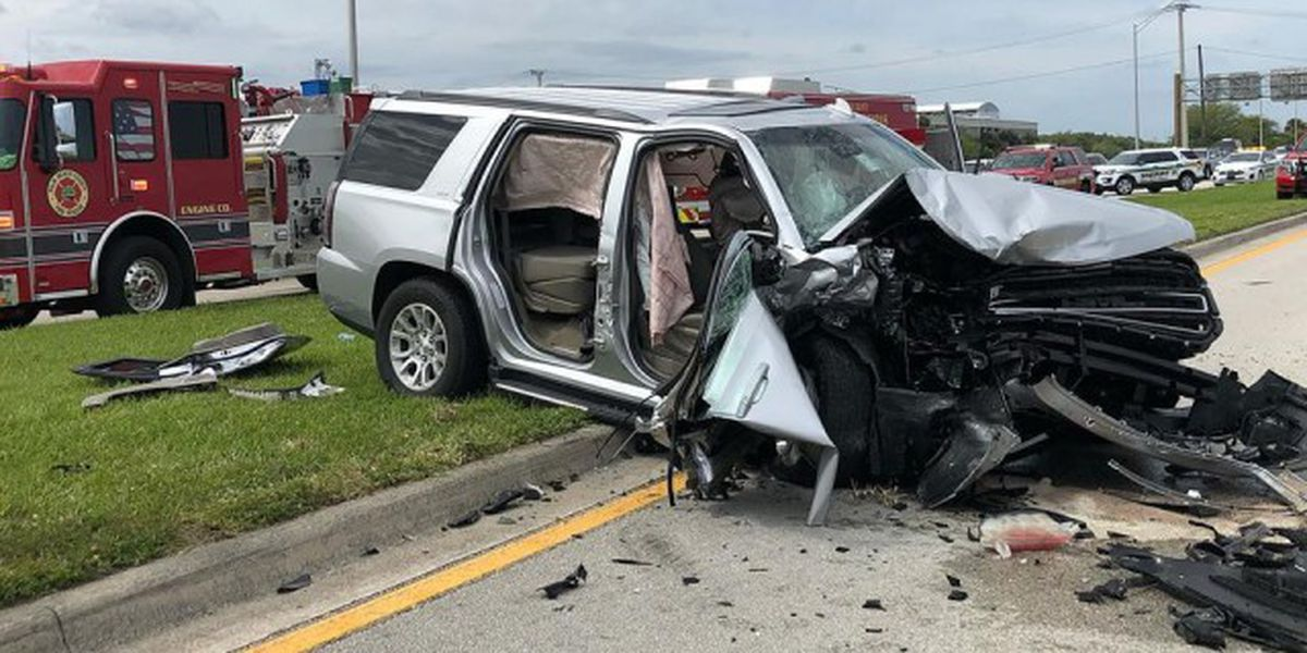 3 people hospitalized after crash in West Palm Beach