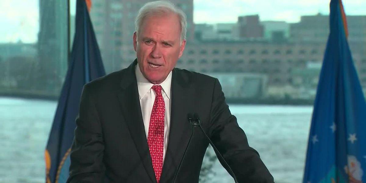 Trump's ex-Navy secretary endorses Bloomberg for president