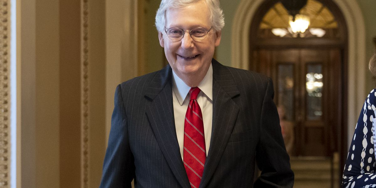 Sen. Mitch McConnell fractures shoulder after falling at his Kentucky home