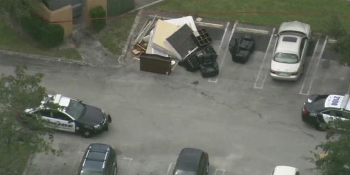 Man shot at apartment complex near West Palm Beach hospital