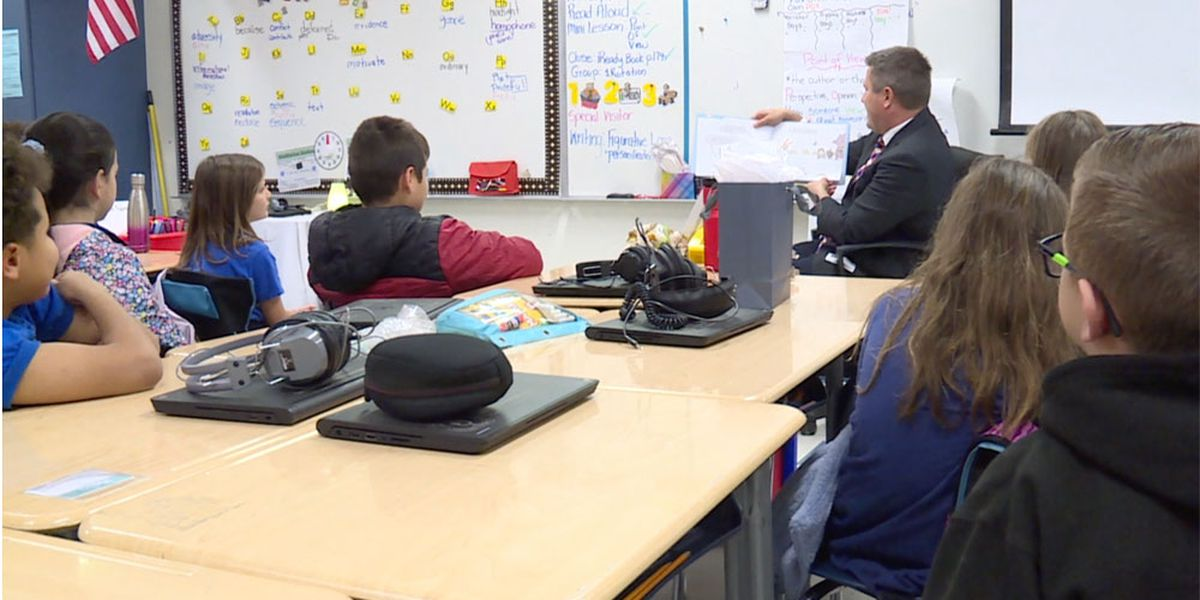 FOX 29′s Mike Trim helps school celebrate Literacy Week