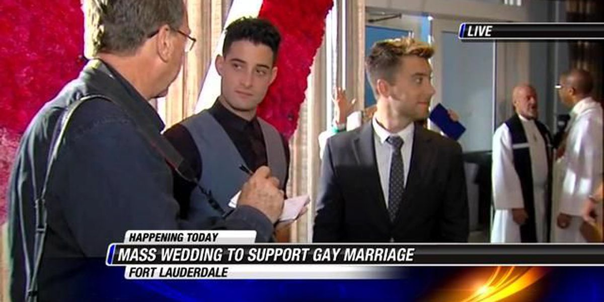 100 couples marry at sunrise in Fort Lauderdale to support gay marriage