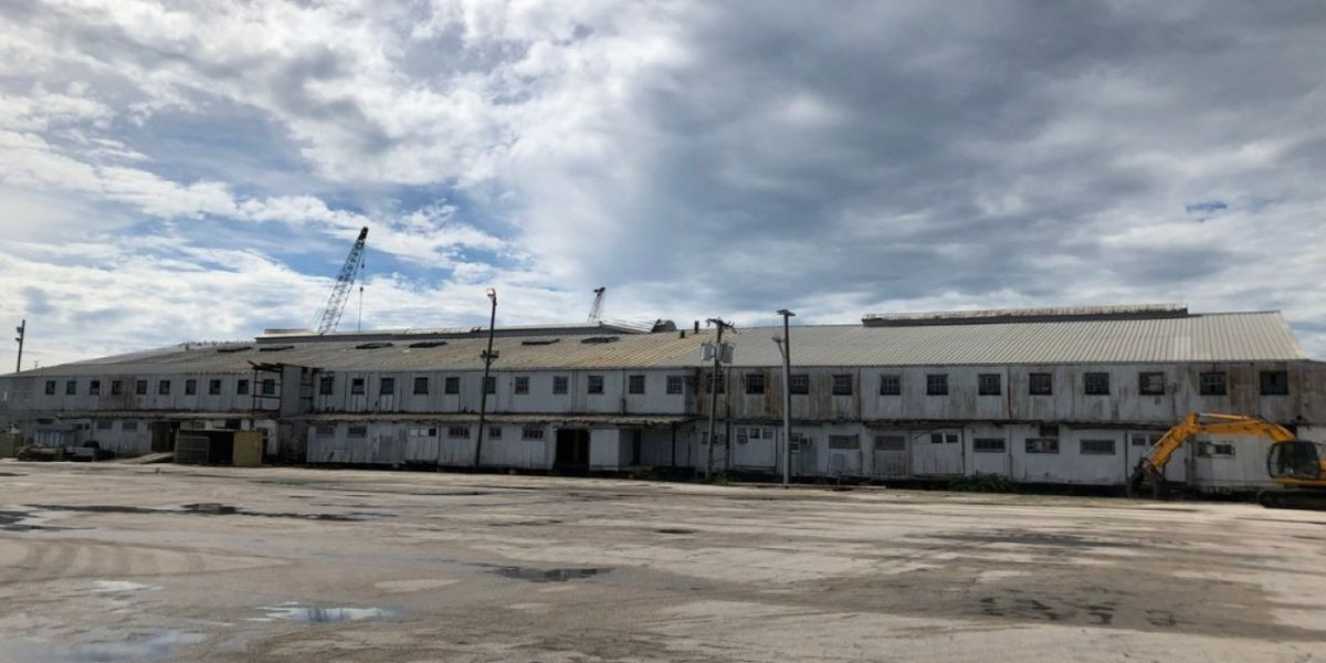 Demolition begins on packing house in Fort Pierce