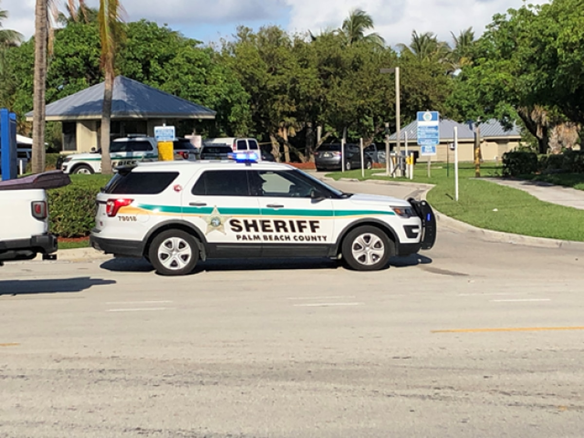 1 person injured after shots fired in Riviera Beach