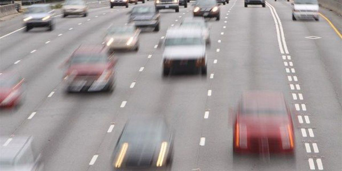 Gov't wants cars able to talk to each other