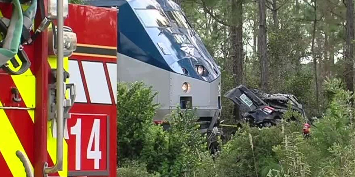 Woman, two grandchildren killed after SUV, Amtrak train collide in northern Palm Beach County