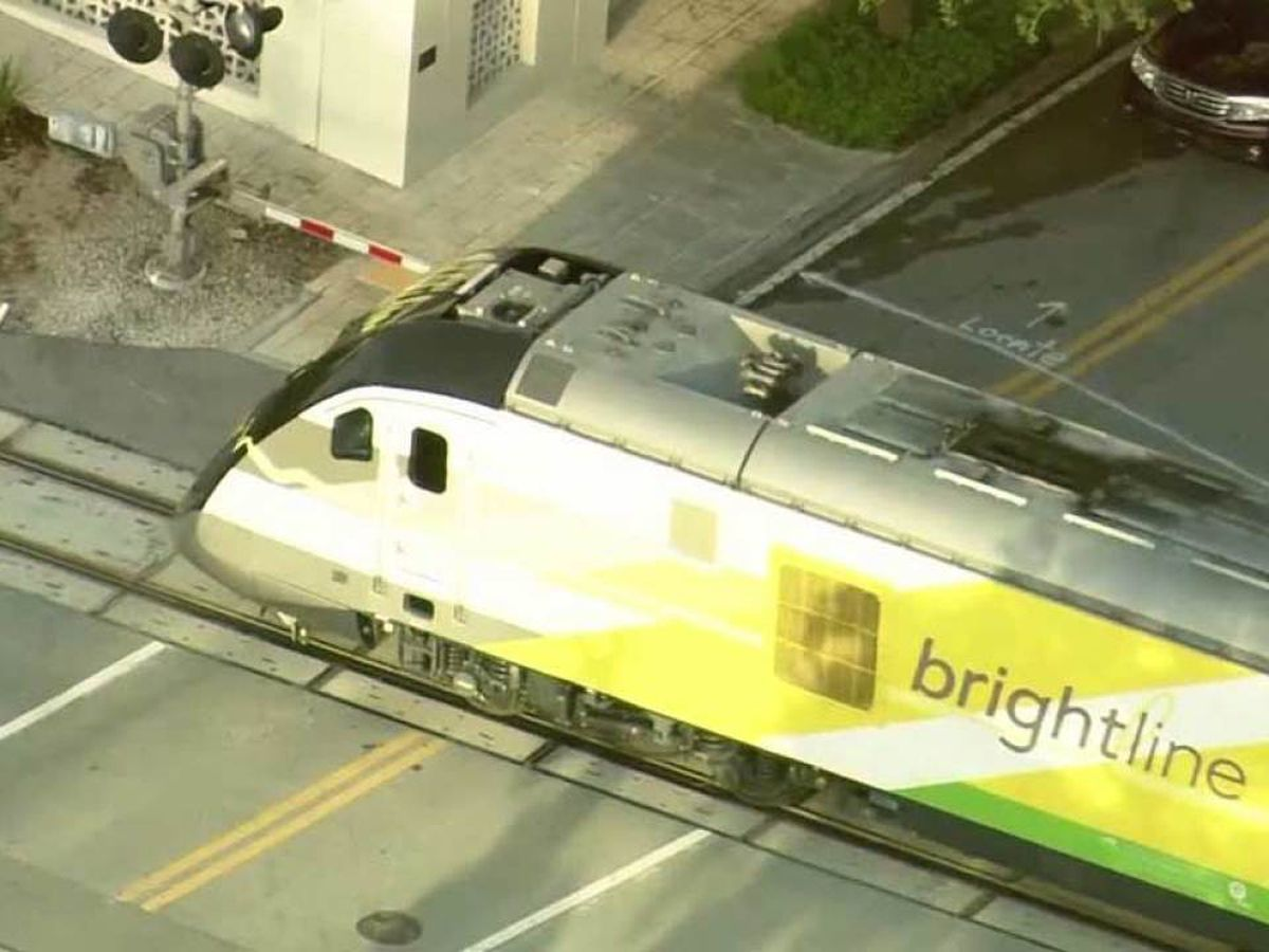 Railroad crossing arms malfunction in downtown West Palm Beach, causing major backups