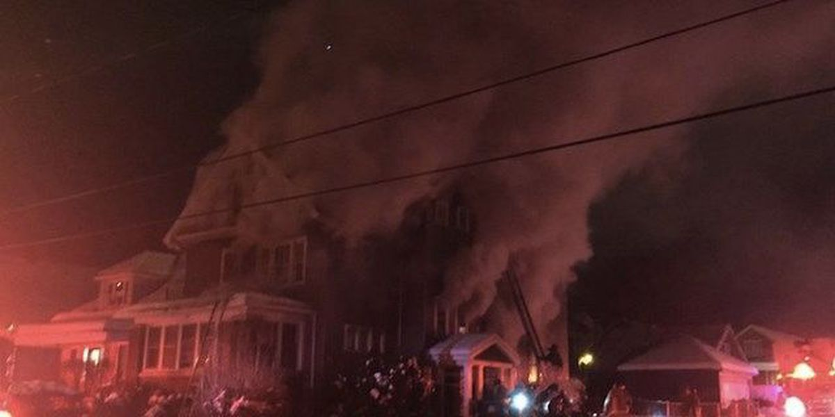 2 dead in massive house fire; man who carried daughter out of burning home dies