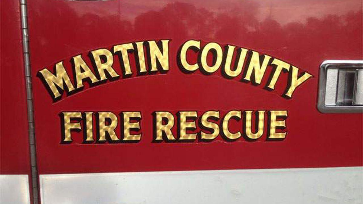 2 people injured following crash in Martin County