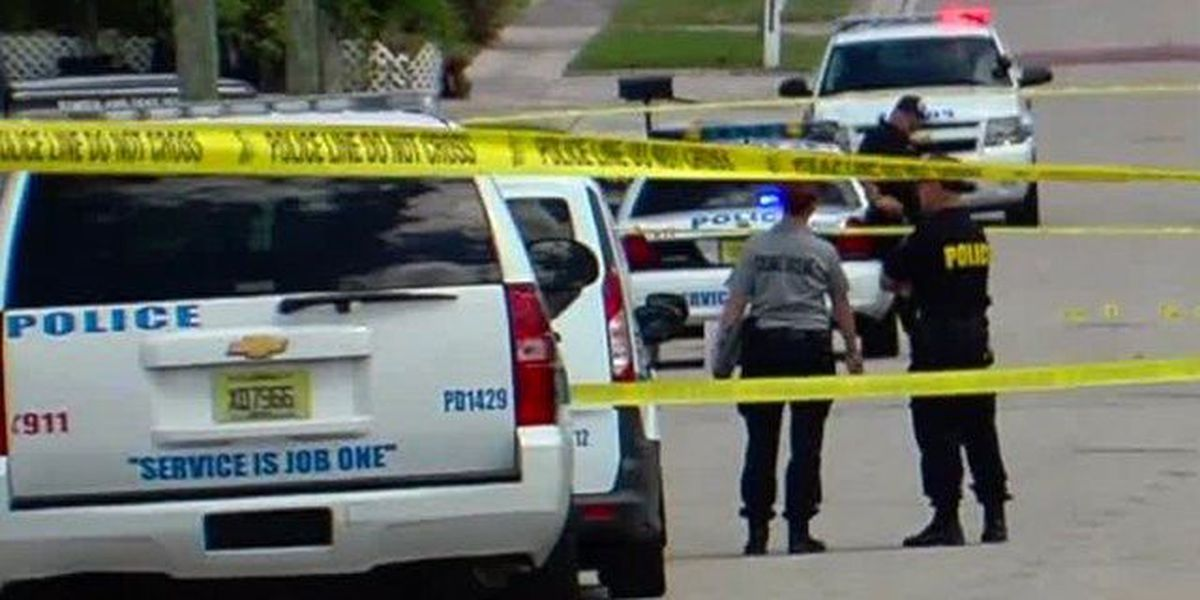 Man hurt in Riviera Beach drive-by shooting