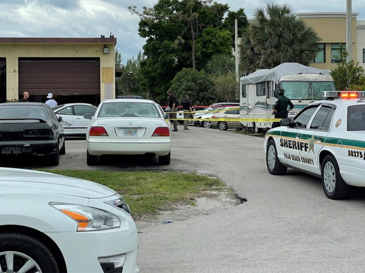Suspect in custody after man shot, killed near West Palm Beach