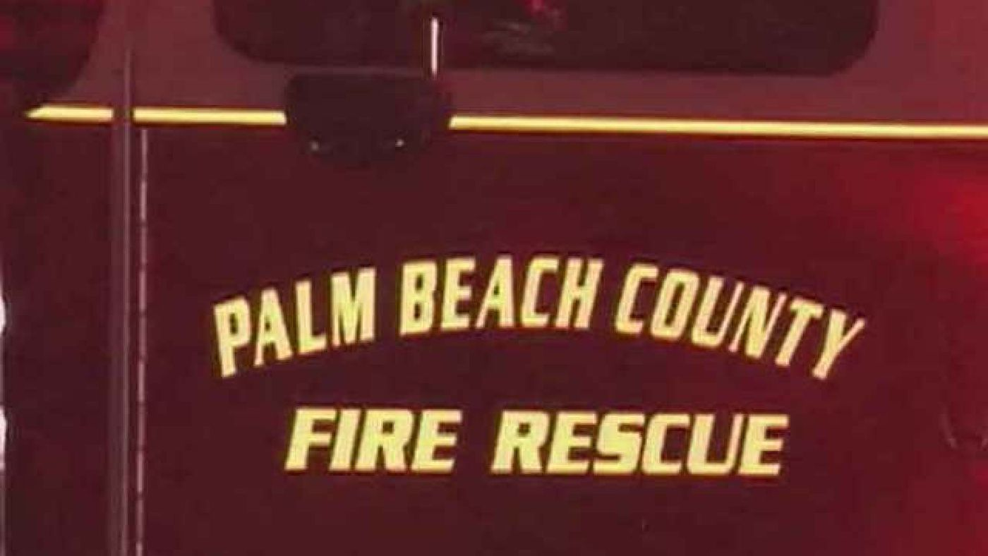 Two people hospitalized after vehicle plunges into lake in Boca Raton