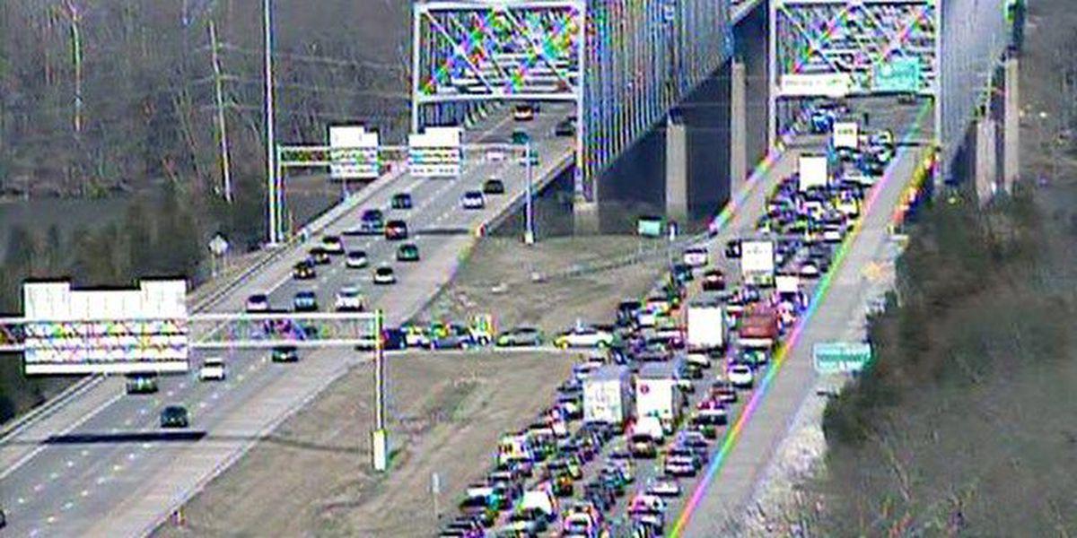 Car falls off Cincinnati bridge and into Ohio River
