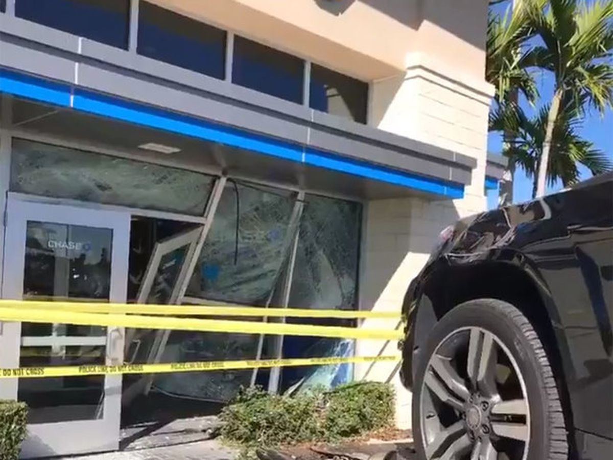 Woman drives into bank in Port St. Lucie