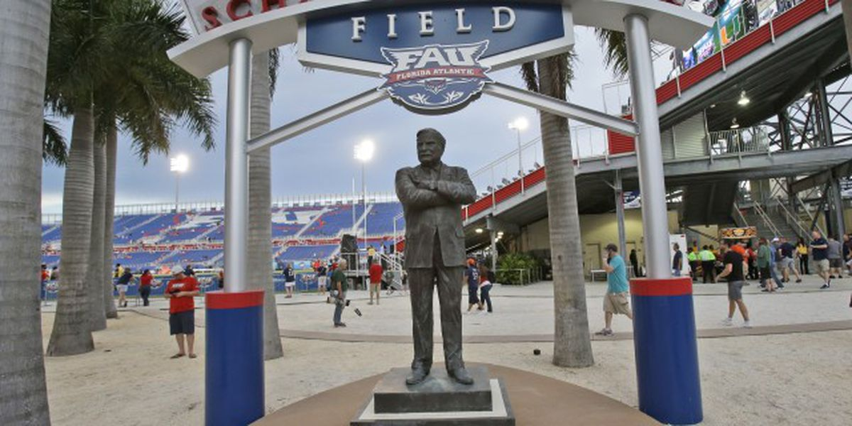 Owls to honor Howard Schnellenberger during 2021 season