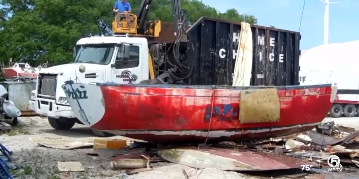 Removing derelict vessels in Riviera Beach