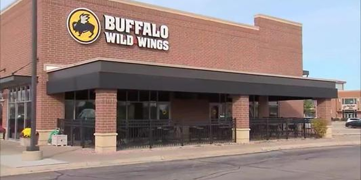 Black customers say host at Buffalo Wild Wings told them to move