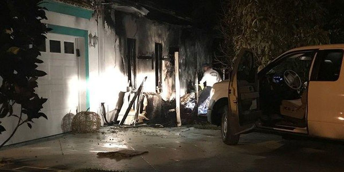 Overnight fire damages Royal Palm Beach home