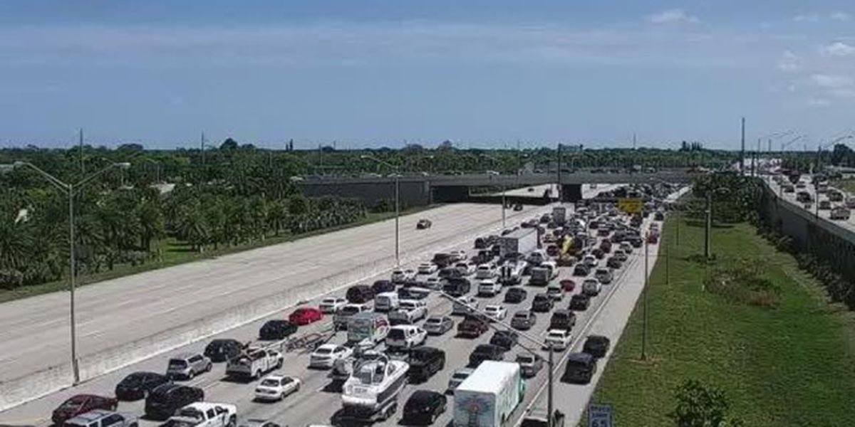 Driver hurt after truck, semi crash on I-95 in West Palm