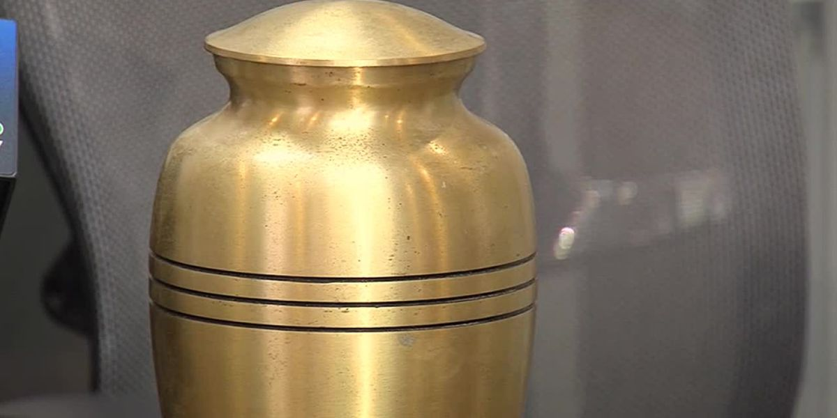 Family says loved one's ashes were found on side of road in West Palm Beach