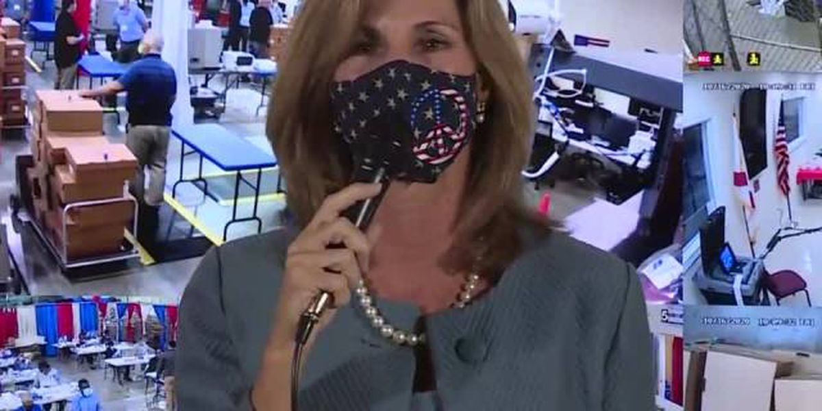Elections supervisor to early voters: 'Please consider wearing a mask'