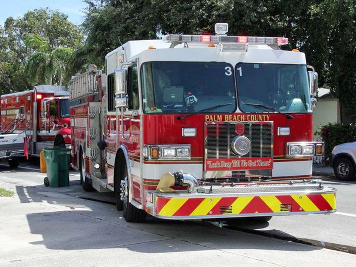 Fire displaces four people in Belle Glade