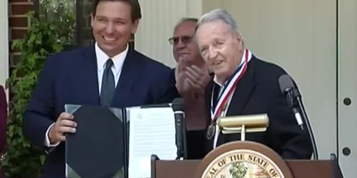 Bobby Bowden receives inaugural Florida Medal of Freedom