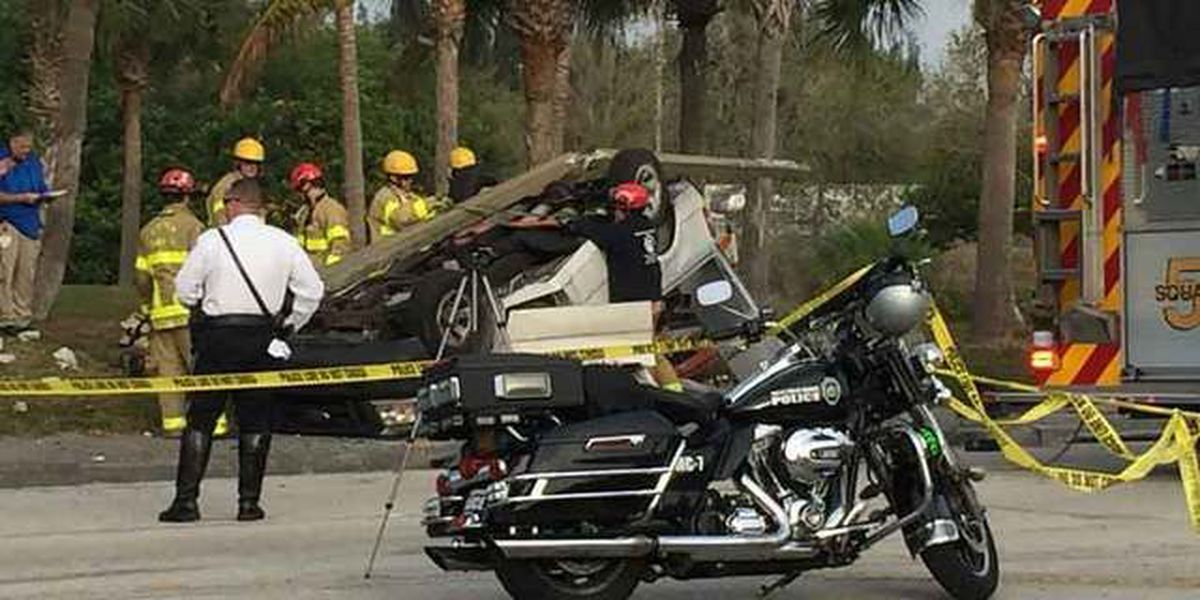 Fatal crash closes areas of Congress Ave. in West Palm Beach