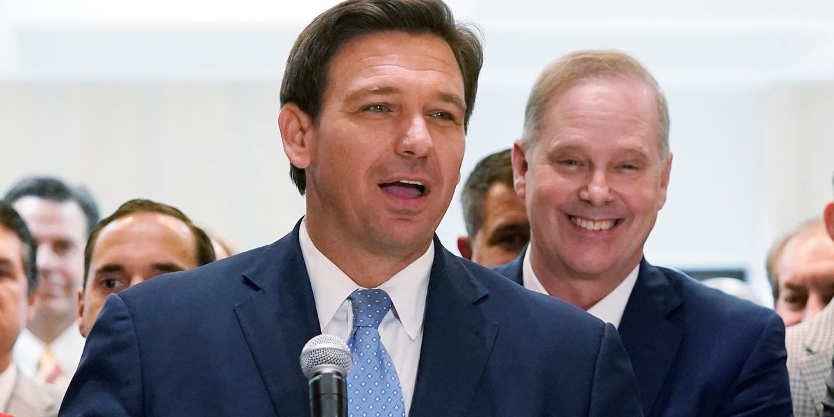 Fla. governor signs bill requiring moment for school prayer