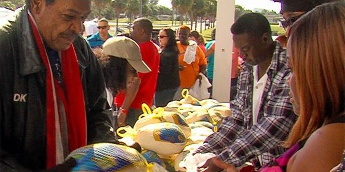 Don King hands out turkeys for the holidays