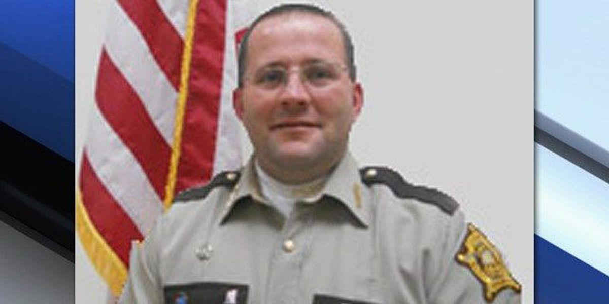 Sheriff accused of stealing painkillers resigns