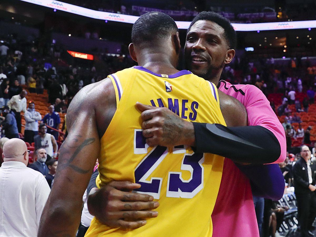 LeBron James scores 51 points, Lakers roll past Heat 113-97