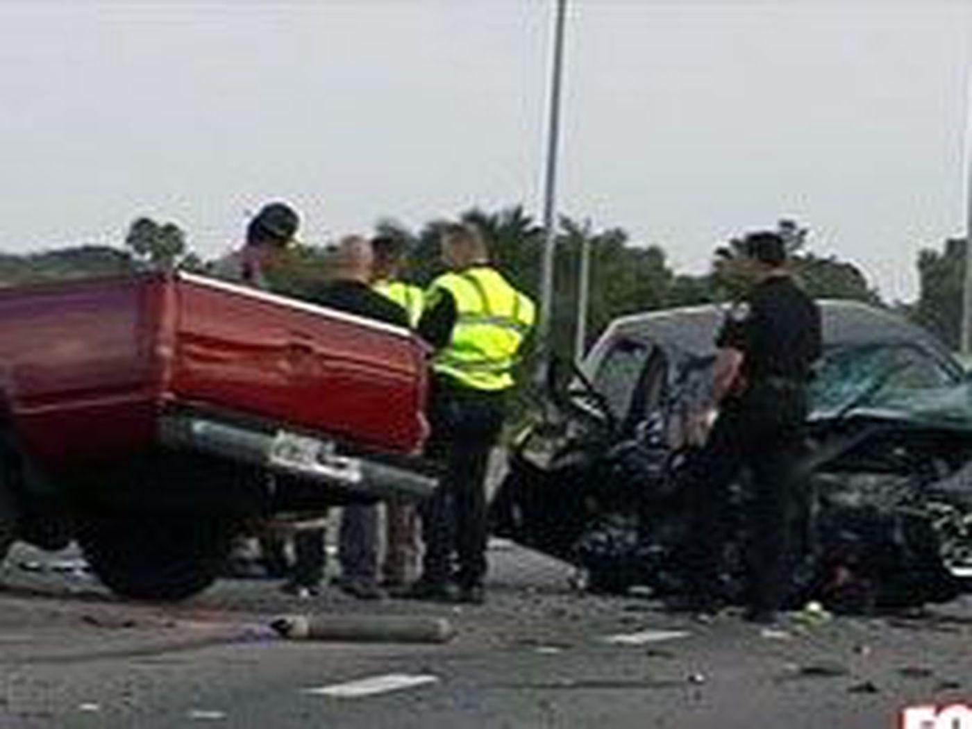 Six car accident shut down Turnpike in Boca