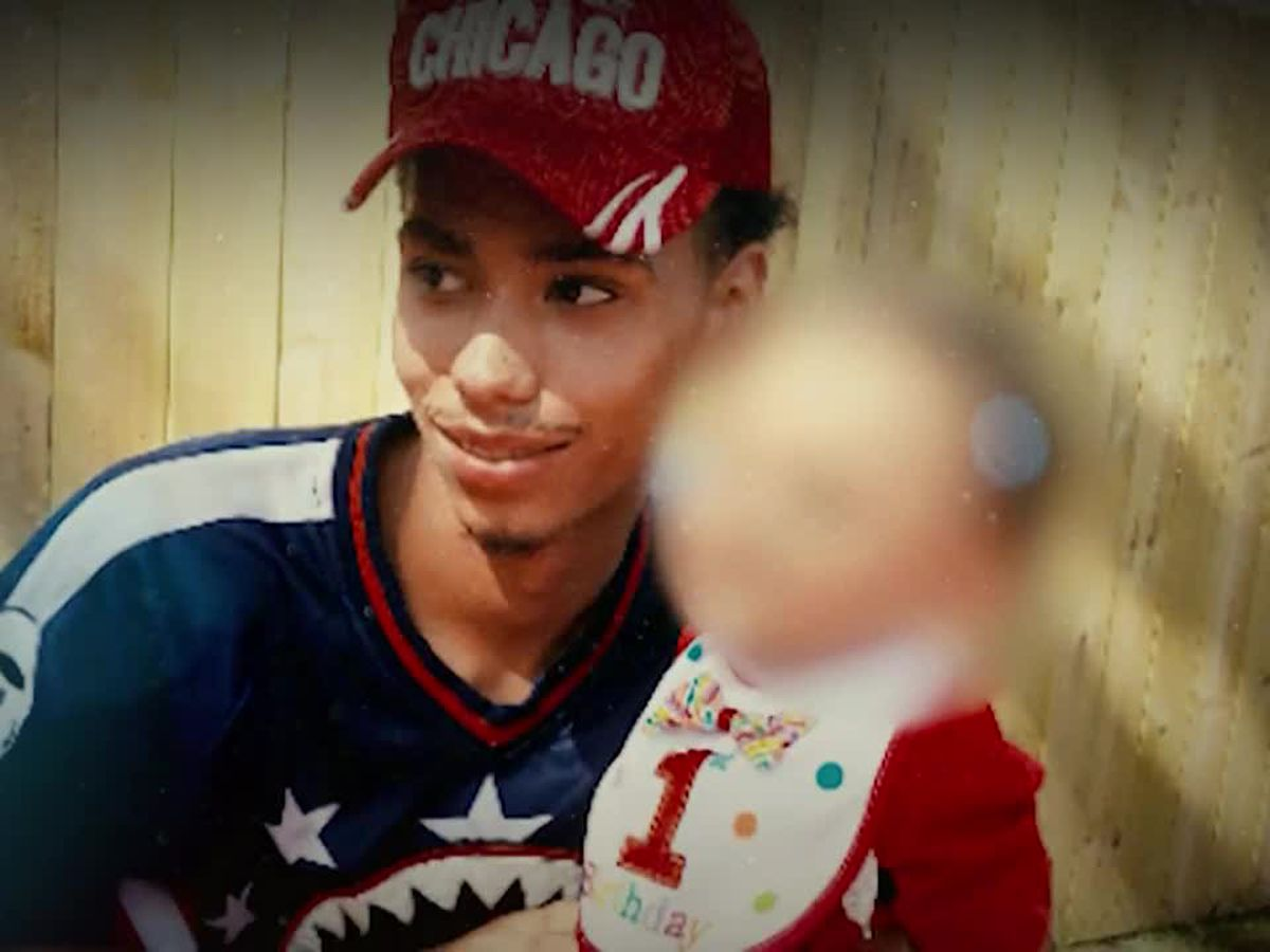 GRAPHIC: Minnesota shooting charging decision awaited, protests go on