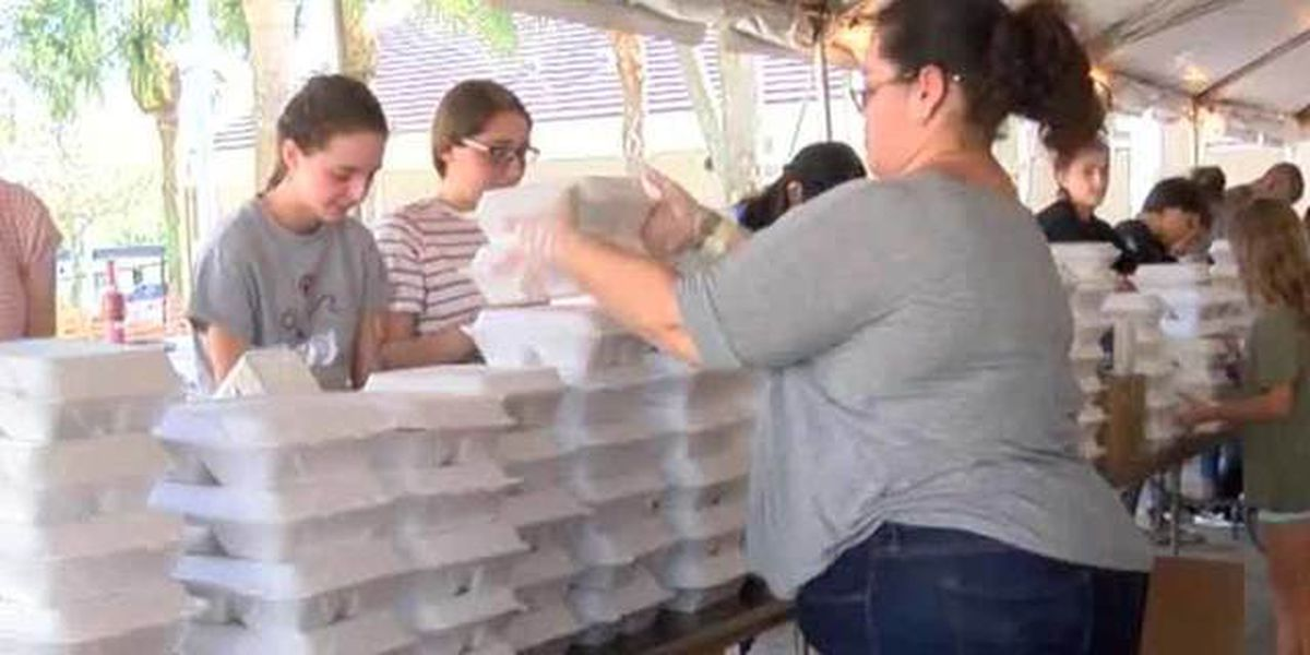 'Big Heart Brigade' boxes up Thanksgiving meals