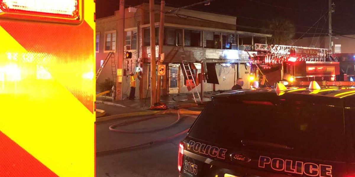 Residents escape overnight fire in West Palm Beach