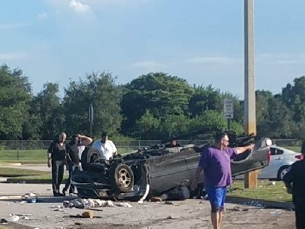 Father, two daughters injured in single-vehicle crash in Fort Pierce