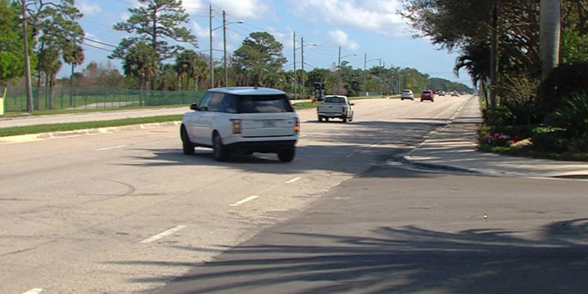 Homeowners want a new traffic light in Palm Beach Gardens