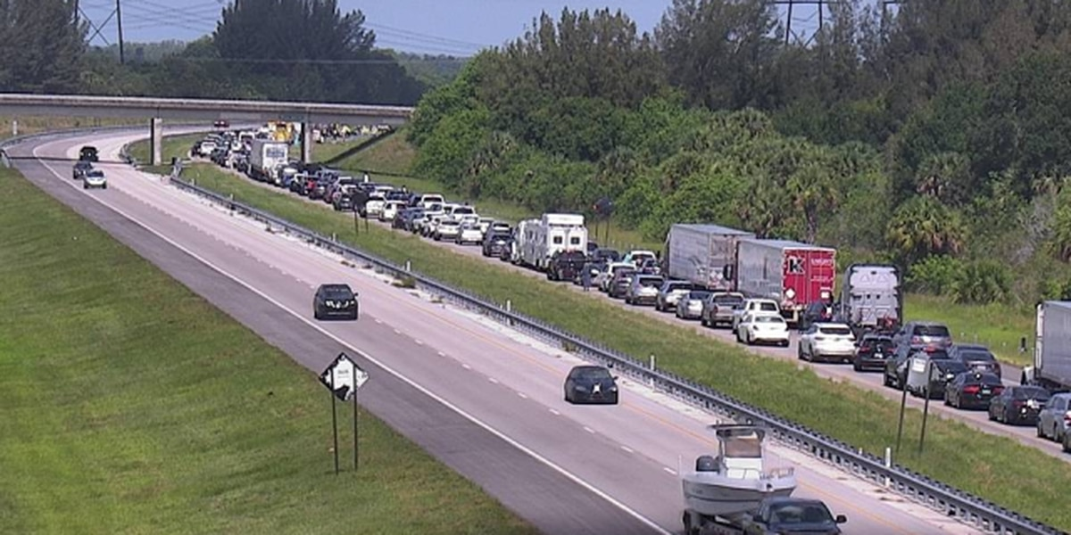 2 dead, several injured in crash in St. Lucie County