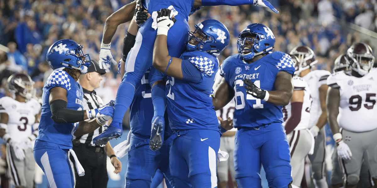 AP Top 25: Kentucky enters rankings for 1st time since '07