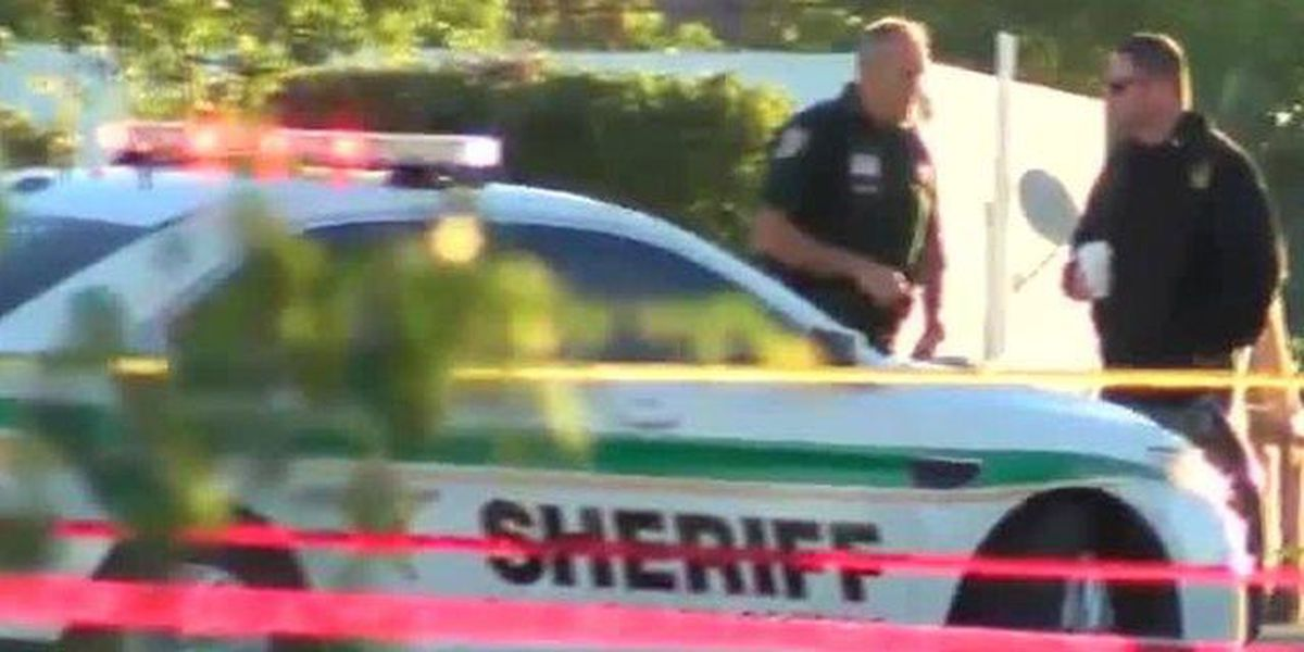 Lake Worth resident finds body in yard