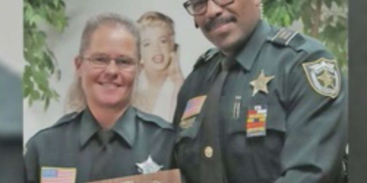 Belle Glade Chamber of Commerce gives distinguished award to deputy