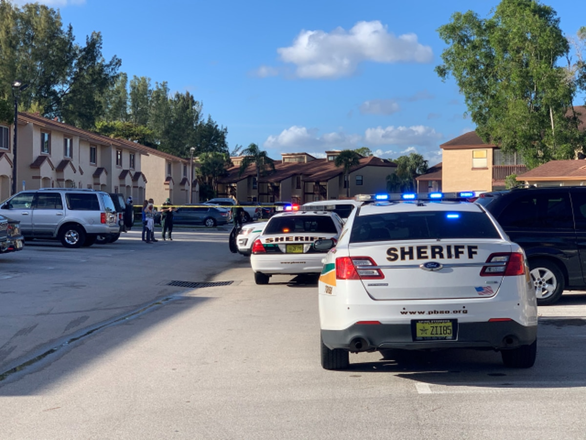 Detectives investigate shooting in Royal Palm Beach