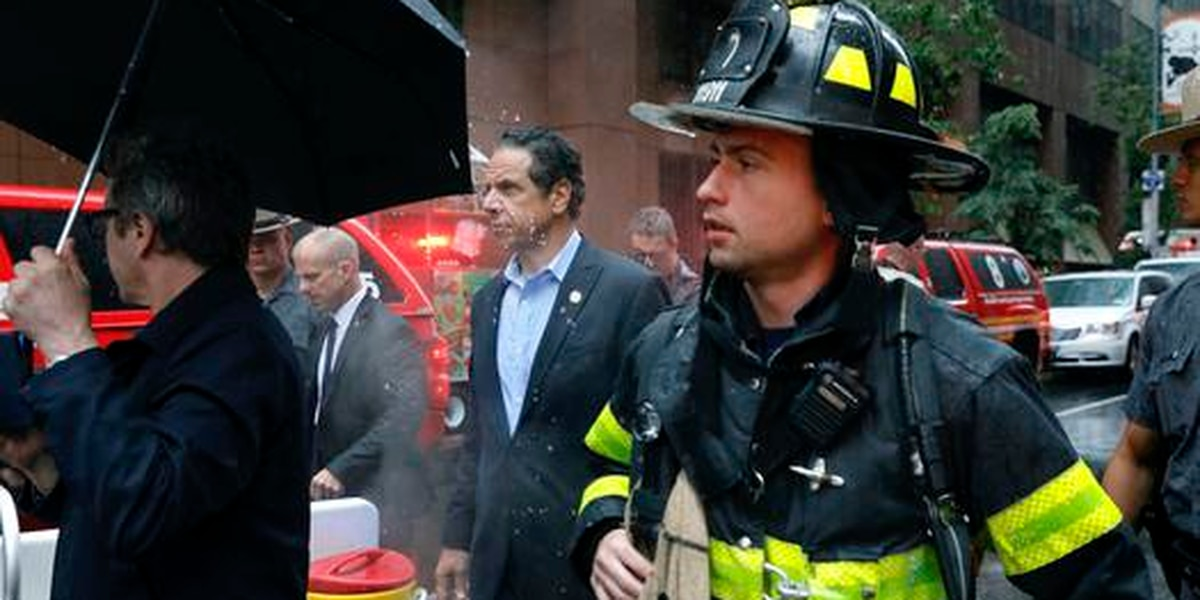 Helicopter crashes in Midtown Manhattan