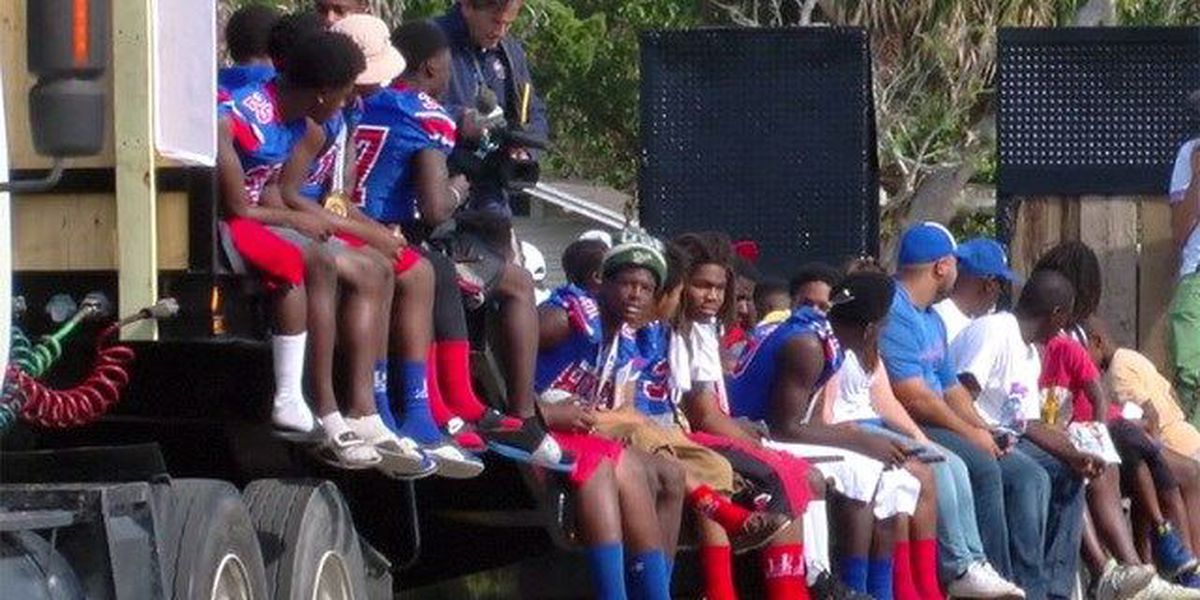 Parade in Pahokee to celebrate undefeated team