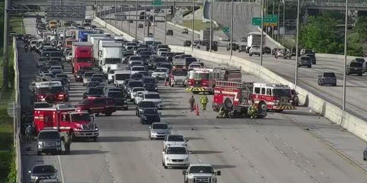 Crash on I-95 NB closes lanes near Lake Worth Beach